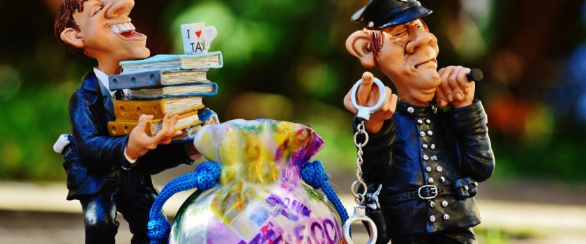 police arresting tax offender - carry on corruption