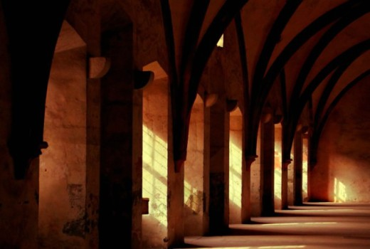 cloister - Sir John and Robert massacre all at Cesena